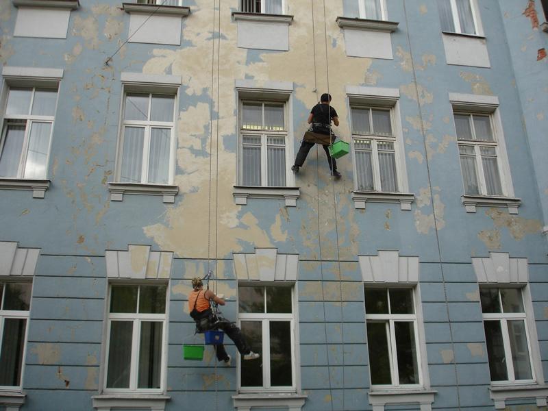 Ремонт частичных разрушений стен